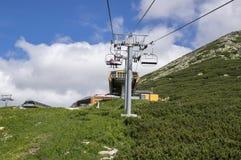 Solisko, Höhe Tatras-Berge/Slowakei - 5. Juli 2017 - moderne Sesselbahn ist Operation auch während der Sommersaison für das Wande Stockbild