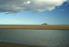 Solitaire bluff in oceaan Stock Foto