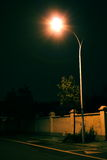 Solitary street lamp in the night Royalty Free Stock Photos