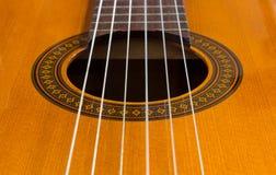 Solitt hål för klassiska gitarrer Arkivbilder