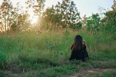 Solitudine emozionale affranta da solo su fondo Fotografia Stock Libera da Diritti