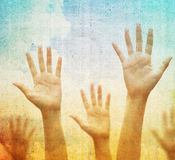 Sollevare le mani Immagine Stock