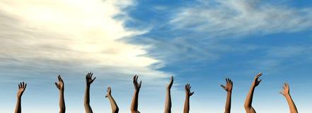 Sollevi le vostre mani - cielo di estate Fotografia Stock Libera da Diritti