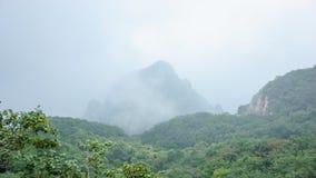 solljus för område för sammansättningsberg naturligt Arkivfoton