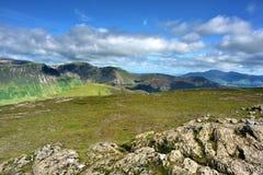 Solljus på de Cumbrian bergen Royaltyfria Bilder