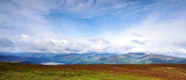Solljus på de Derwent bergen Royaltyfri Bild