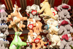 Solljus på välfyllda djur på Oktoberfest, Stuttgart Arkivbilder