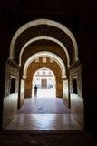 Solljus skuggor för till lionborggården Alhambra Royaltyfria Bilder