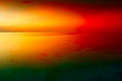 Solnedgång över ön Maldiverna för hav för havsgryninglandskap den tropiska arkivbild