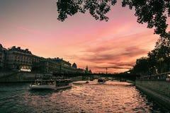 Solnedgång över överbrygga arkivbild