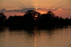 Solnedgång över Arkivfoton