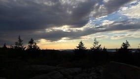 Solnedgång över berg i Maine arkivfilmer
