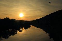 Solnedgång över Berounka Arkivfoto