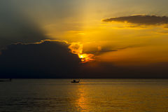 Solnedgång över brunnsortstaden Fotografering för Bildbyråer