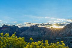 Solnedgång över Death Valley royaltyfri foto