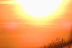 Solnedgång över den byTomasica våren 2017 timme Arkivfoto