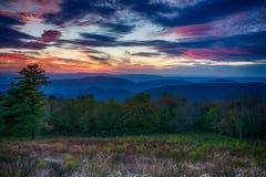 Solnedgång över den Shenandoah nationalparken royaltyfri fotografi