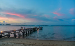 Solnedgång över det Andaman havet arkivbild