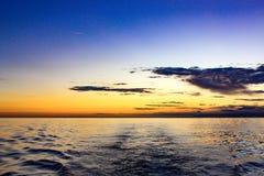 Solnedgång över det Ionian havet Arkivfoto