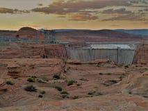 Solnedgång över Glen Canyon Dam Arkivbilder