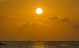 Solnedgång över golfen av Thailand Arkivfoto