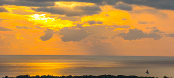 Solnedgång över Haiti Royaltyfria Bilder