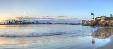 Solnedgång över hamnen i Corona del Mar Arkivfoton