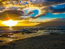 solnedgång över havet, ö av Maui, Hawaii Royaltyfria Foton