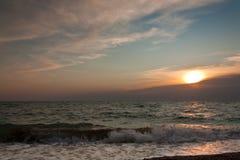 Solnedgång över havet Royaltyfri Fotografi