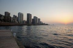 Solnedgång över havet, Beirut Arkivbild