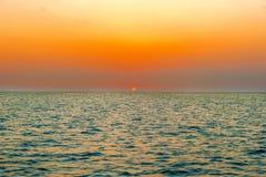 Solnedgång över havet i Galapagos Royaltyfri Foto