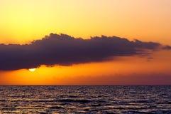 Solnedgång över havet på Montego Bay, Jamaica arkivbilder