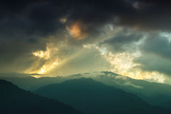 Solnedgång över Himalayan berg, Sikkim, Indien Arkivfoto