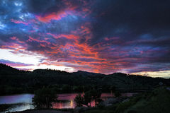 Solnedgång över Horsetooth Arkivfoto