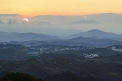 Solnedgång över Jiufen, Taiwan Royaltyfria Bilder