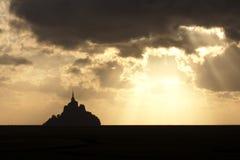 Solnedgång över Mont Sanktt Michel Royaltyfri Foto