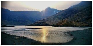 Solnedgång över monteringssnowdon Fotografering för Bildbyråer