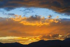 Solnedgång över Mt. Mansfield, VT, USA Fotografering för Bildbyråer