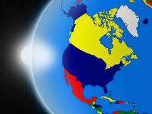 Solnedgång över norden - amerikansk kontinent från utrymme stock illustrationer