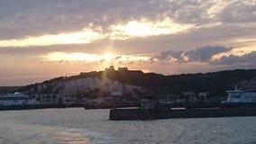 Solnedgång över porten av Dover royaltyfri bild