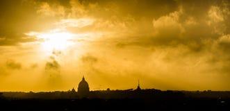 Solnedgång över Rome Arkivfoto
