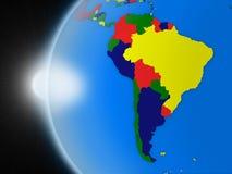 Solnedgång över söder - amerikansk kontinent från utrymme stock illustrationer