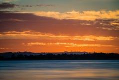 Solnedgång över sjön Colac i Victoria, Australien Royaltyfria Foton