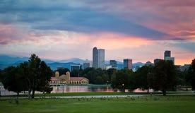 Solnedgång över staden av Denver Arkivfoto