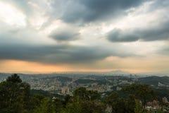 Solnedgång över Taipei Royaltyfri Fotografi