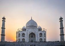 Solnedgång över Taj Mahal - Agra, Indien Royaltyfri Foto