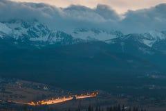 Solnedgång över Tatra berg i Polen arkivfoto