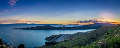 Solnedgång över Titicaca sjön Royaltyfria Bilder