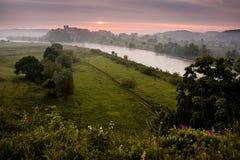 Solnedgång över Vistula River Arkivbild