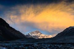 Solnedgång av berget Everest på den Everest basläger Arkivfoton